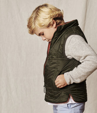 Synthetic boy down vest in cherry and green
